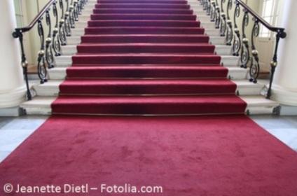 Schreiten Sie auf dem roten Teppich über Hochzeitsmessen und Eventmessen im Rheinland - Bild Jeanette Dietl - Fotolia.com