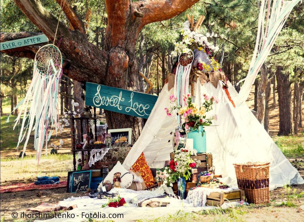 Lassen Sie sich auf einer regionalen Hochzeitsmesse inspirieren - #120954723 | © ihorshmatenko - Fotolia.com